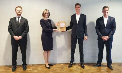 f.l.t.r.: P. Gerber, CEO LCAG, D. Boxberg, CCO LCAG, T. Meincke, Schenker AG  J. Thewes, CEO Schenker AG - Image: Lufthansa Cargo
