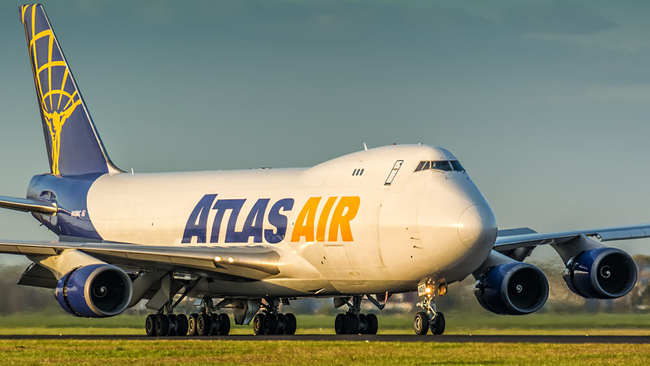 Blue and yellow mix to make green... Image: Atlas Air