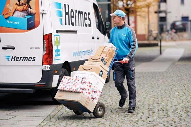 Hermes courier at work - staff member or self employed?