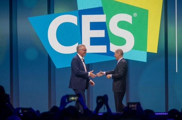 Ed Bastian (left) being welcomed onto the stage at CES 2020. Image courtesy of Delta website.