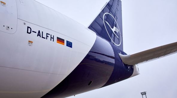 eBooking might up the number of shipments  - image B777F: LH Cargo