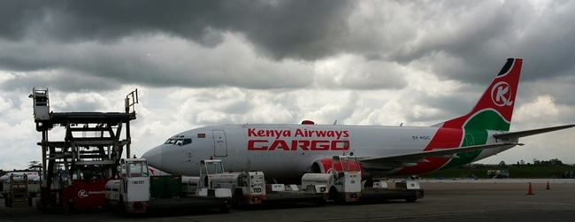 Kenya Airways operates two B737SFs  -  picture: CFG/hs