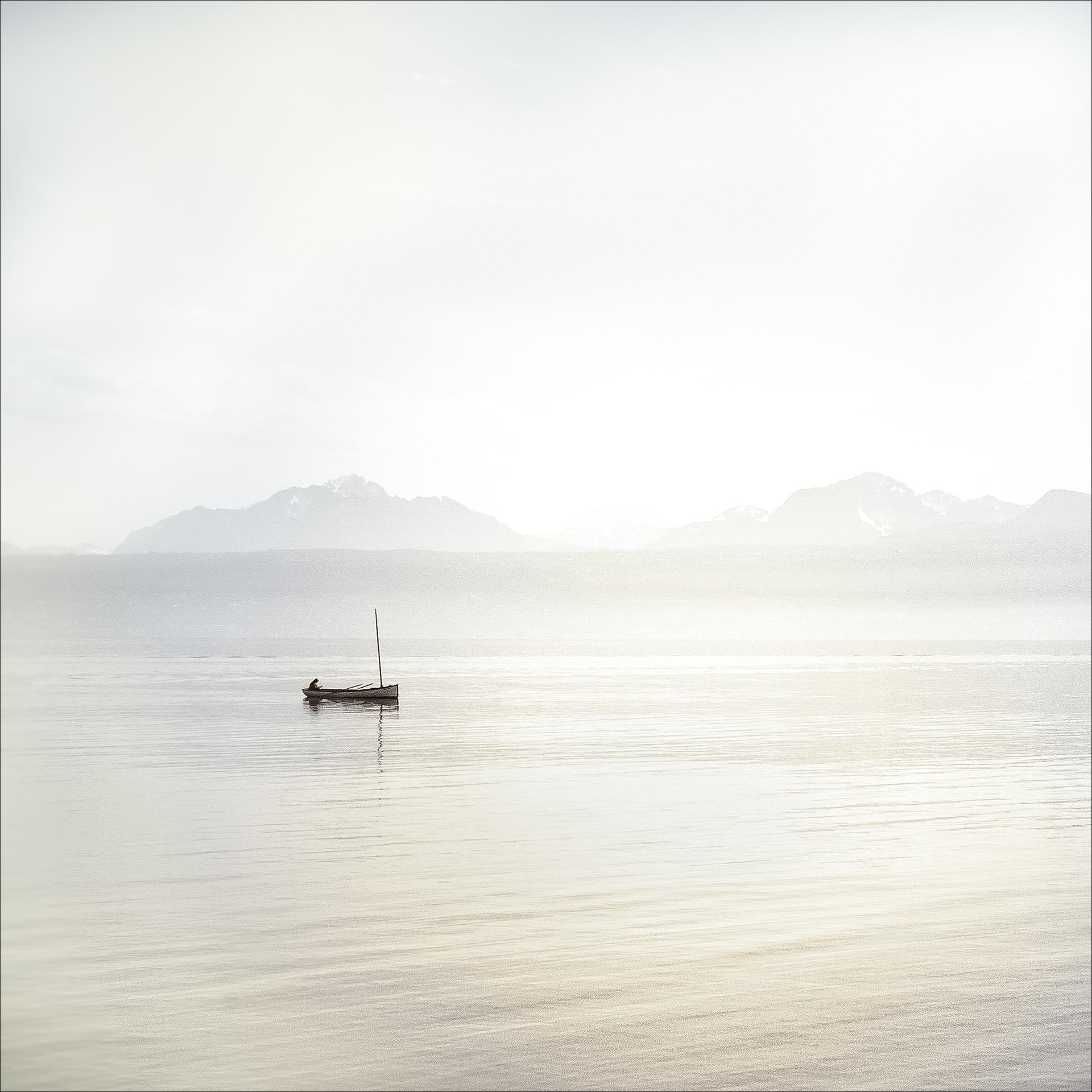 La jeune fille et le lac   Photo: C Tichadou