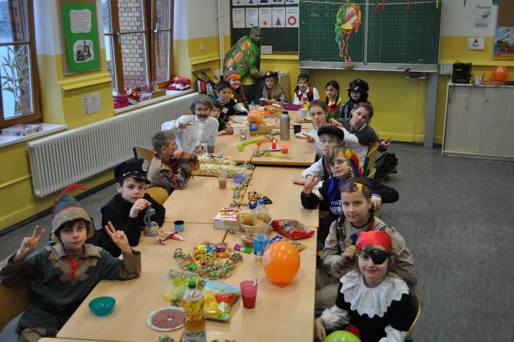 ... alle Kinder haben eine passende Verkleidung für sich gefunden... Ein toller Anblick!!!