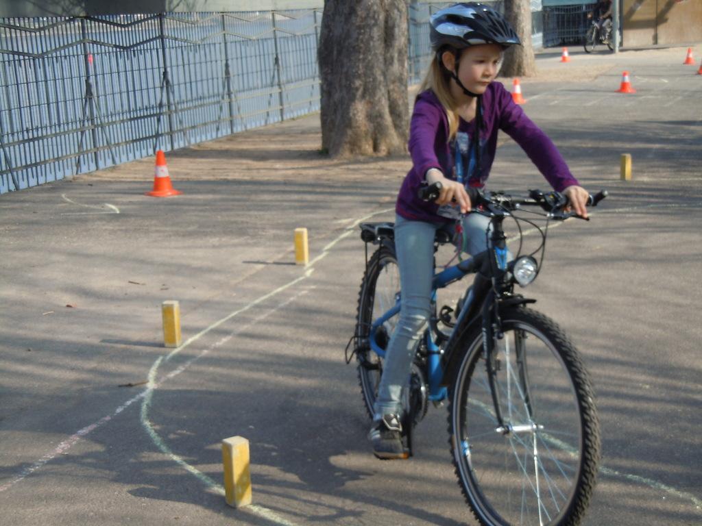 ...  mit dem neuen Fahrrad klappt alles wie am Schnürchen...