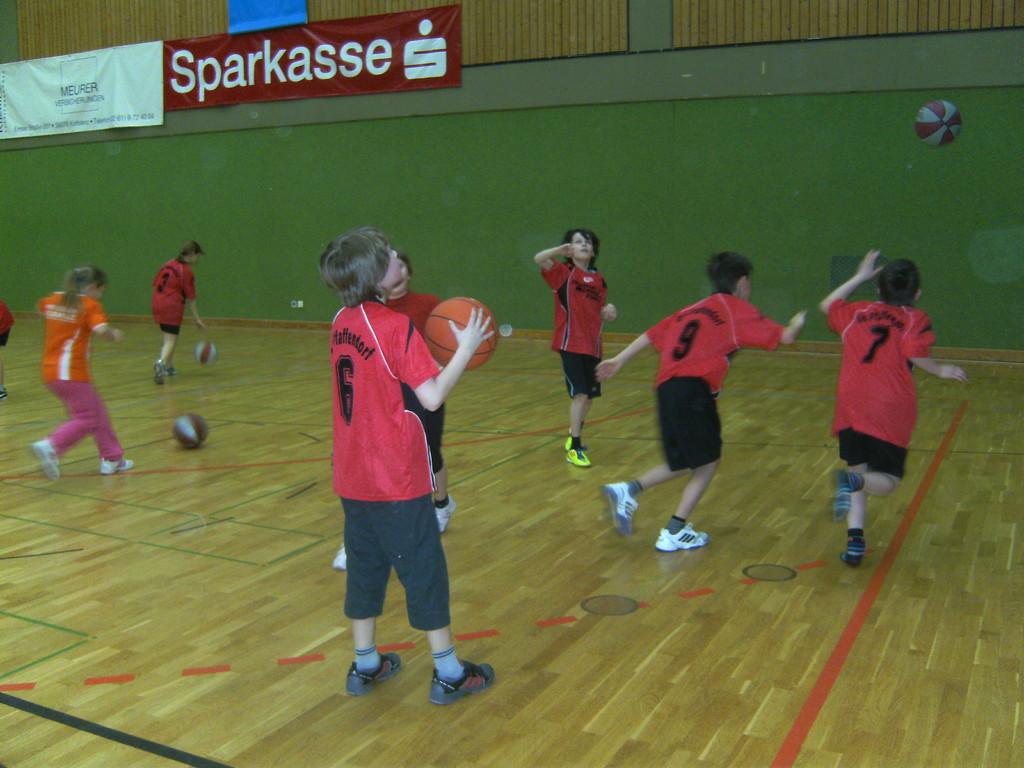 Auch in den Pausen zwischen den Spielen hatten wir viel Spaß mit dem Ball...