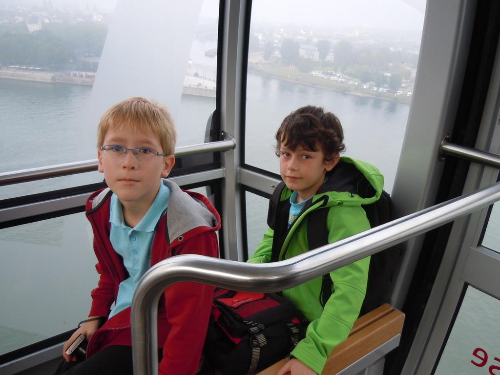 Je weiter wir über den Rhein nach oben schweben, desto schlechter wird die Sicht...
