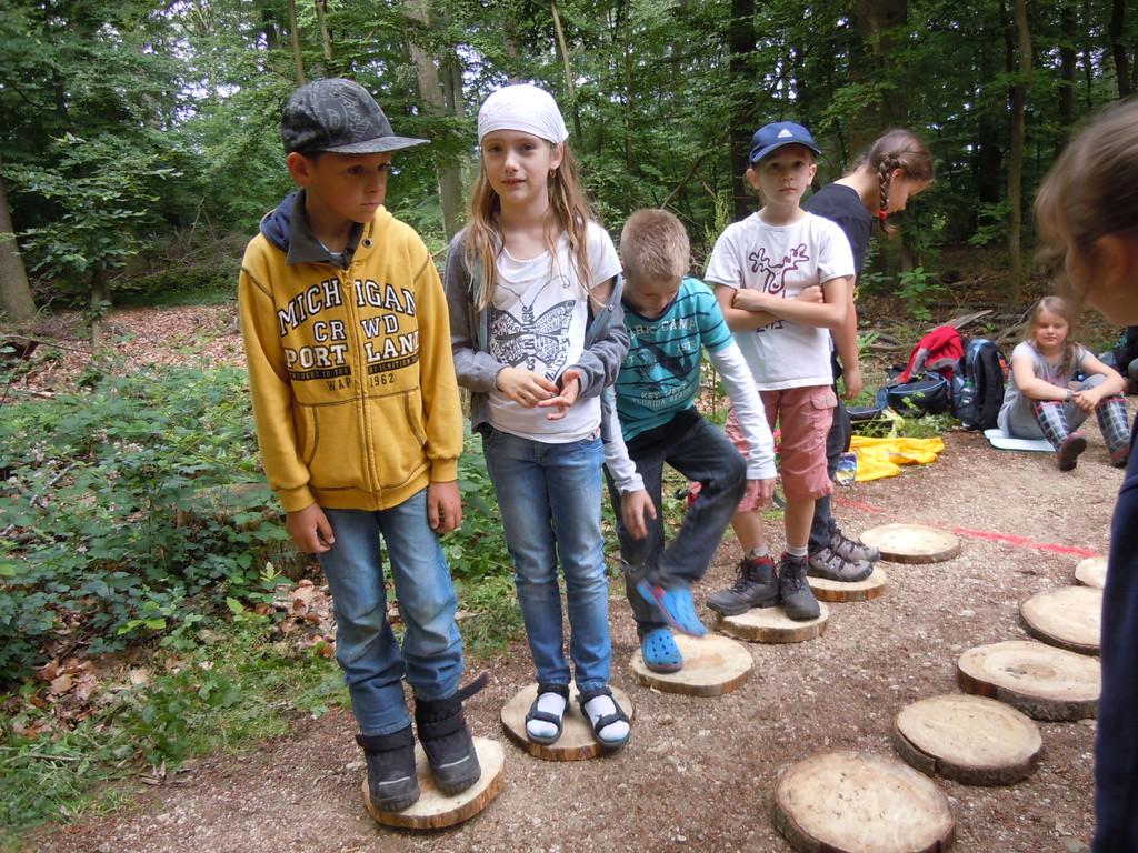 Alle Kinder, die nicht beim Baumsägen dabei waren, konnten mitmachen!