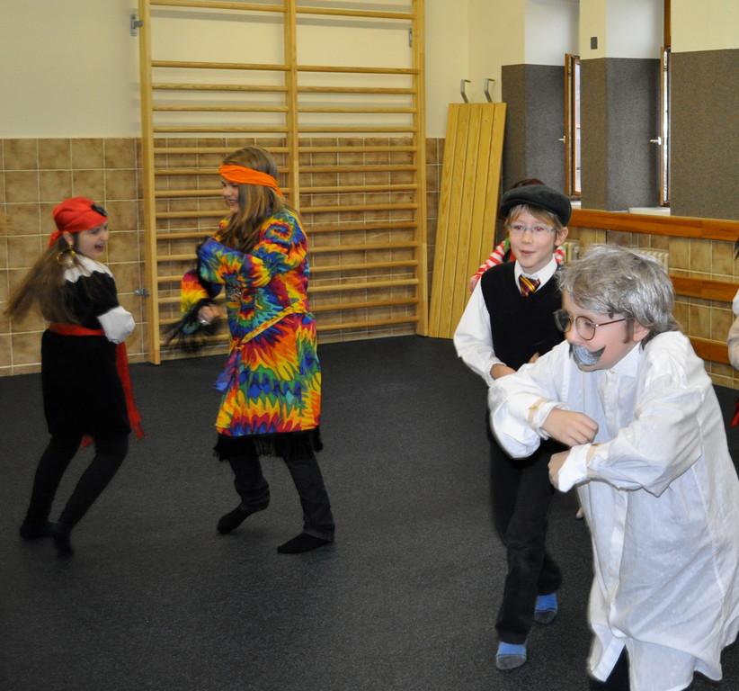 Egal ob Einstein, Franzose, Hippie oder Piratin - alle tanzen mit!!!