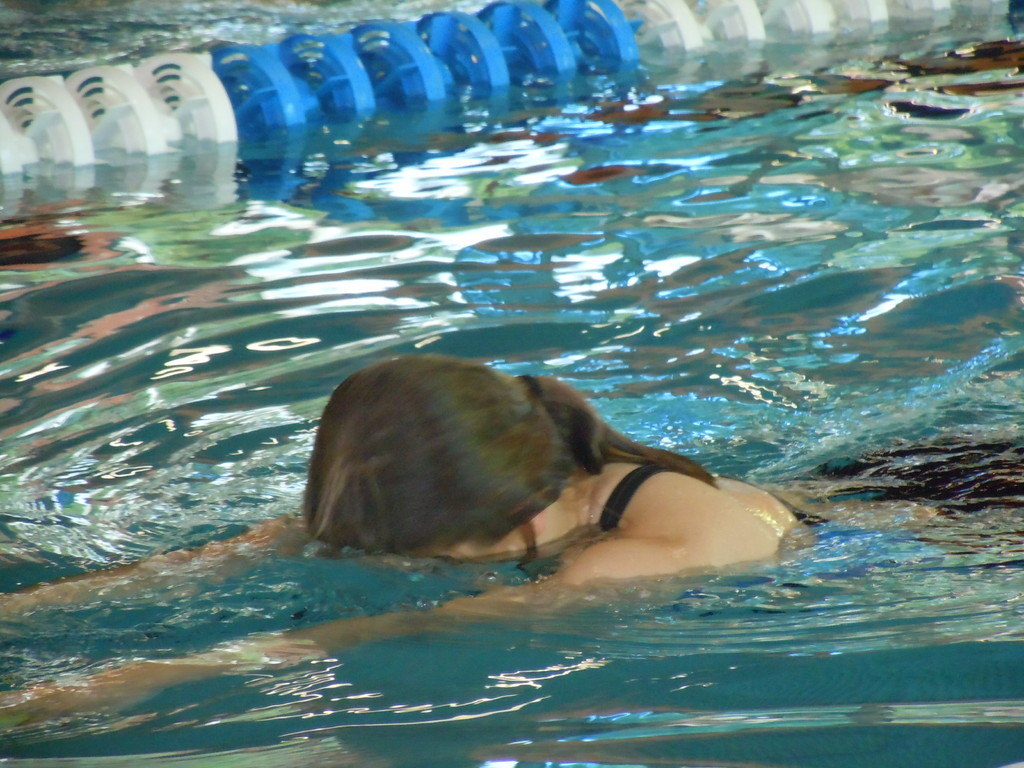 ... das wollen die Kampfrichter sehen: ausatmen ins Wasser - profimäßig!!!