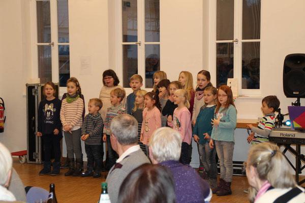 Bereits jetzt werden Kinder im Generationenhaus in Hümme musikalisch gefördert, wie hier beim Auftritt des Kinderchors.