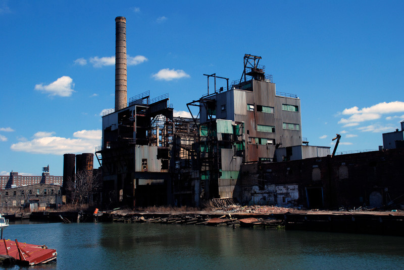 Revere Sugar Works being demolished for luxury flats, Red Hook 2006