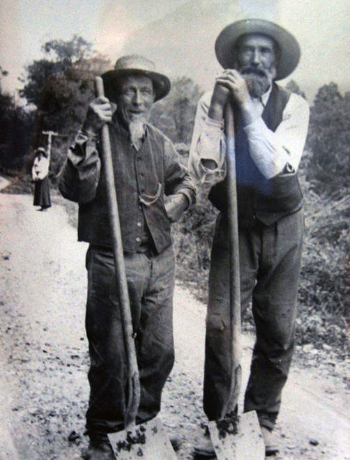 Roadmen in the Otira Valley in 1925. In an area of rapid erosion roads require constant maintenance (Hokitika Museum)