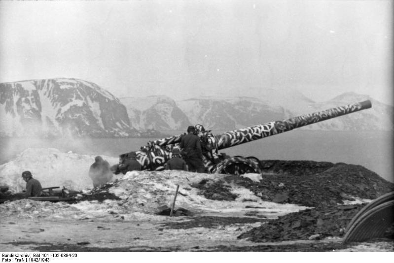 The Arctic Atlantic Wall: German coastal battery HKB 5/480 at Mehamn in Finnmark 1942/3 (Bundsarchiv:Wikimedia Commons).