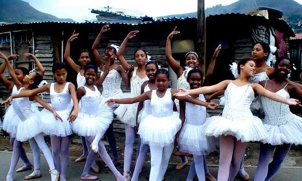 Jikaleza Dancers in Imizamo Yethu, Hout Bay