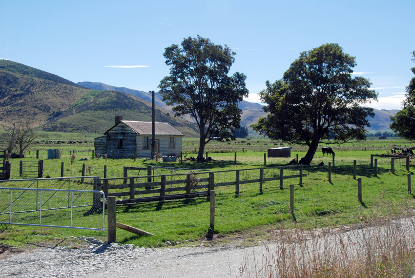 Old homestead in the Matuara river valley near Kingston near the south end of Lake Wakatipu, Southland, New Zealand.