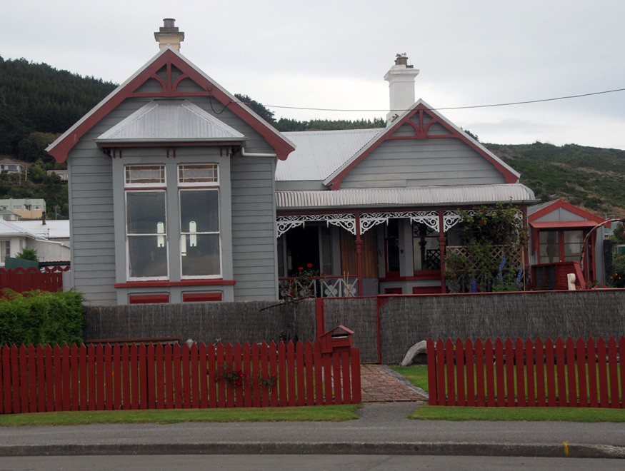 A clasic colonial bugalow on Marine Parade, Bluff, Southland.