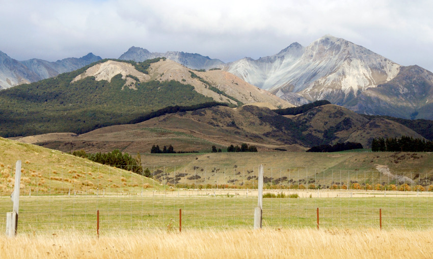 Takitimu Mountains, from NH94 east of Te Anau, Southland, New Zealand.