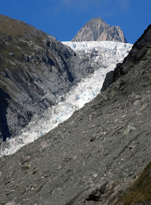 The steepness of the last section of the Fox Glacier tongue