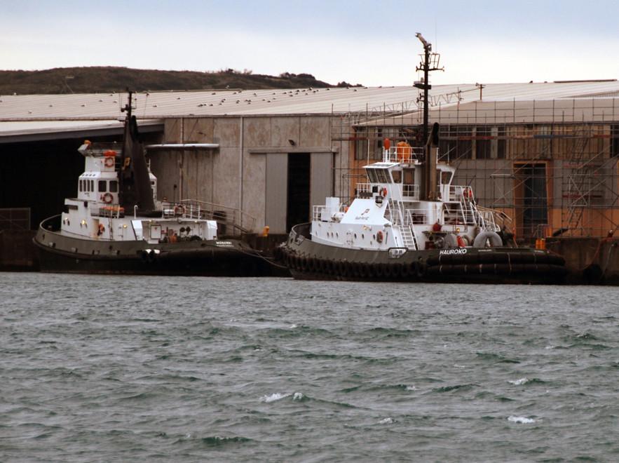 Southport NZ tugs, Hauroko and Mongwai. Hauroko is a 351 tonne tug built at Whangarei, NZ in 1988.