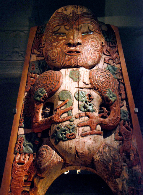 The 1830s Tiki waharoa (gateway) of the Pukeroa pa of the people of Rotarua, the Ngati Tunohopu (Auckland Museum)