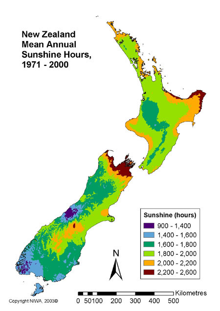 Map of Mean Annual Sunshine Hours in New Zealand (NIWA 2003) showing the sunny disposition of Golden Bay at the north west end of the South Island.