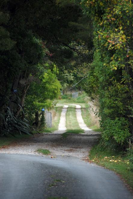 Driveway near Mussel Inn