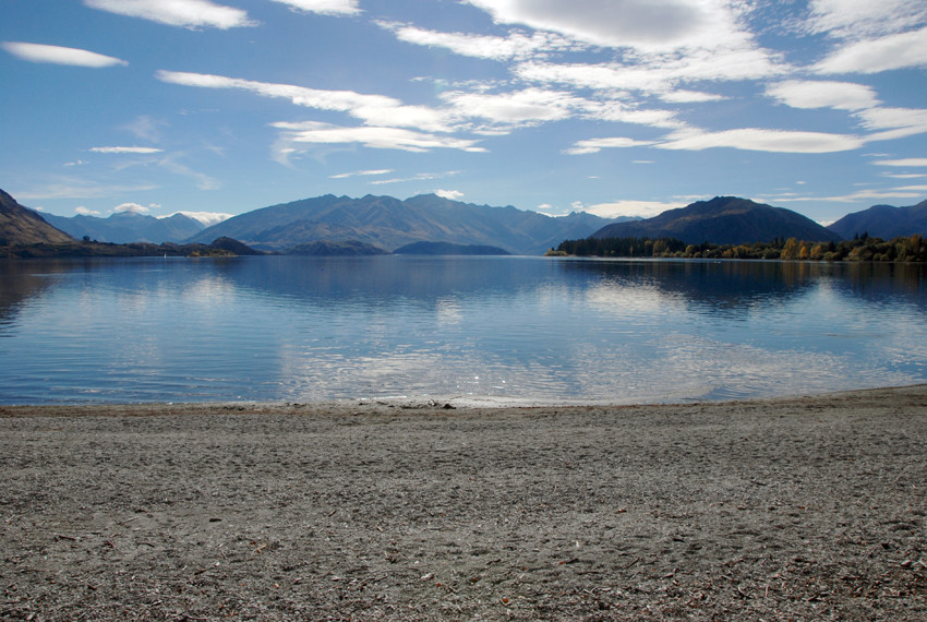 Lake Wanaka from the Wanaka water front, Otago, New Zealand looking towards Mt Aspiring.