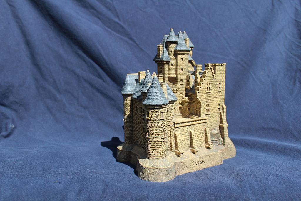 Figurine du château de Fayrac
