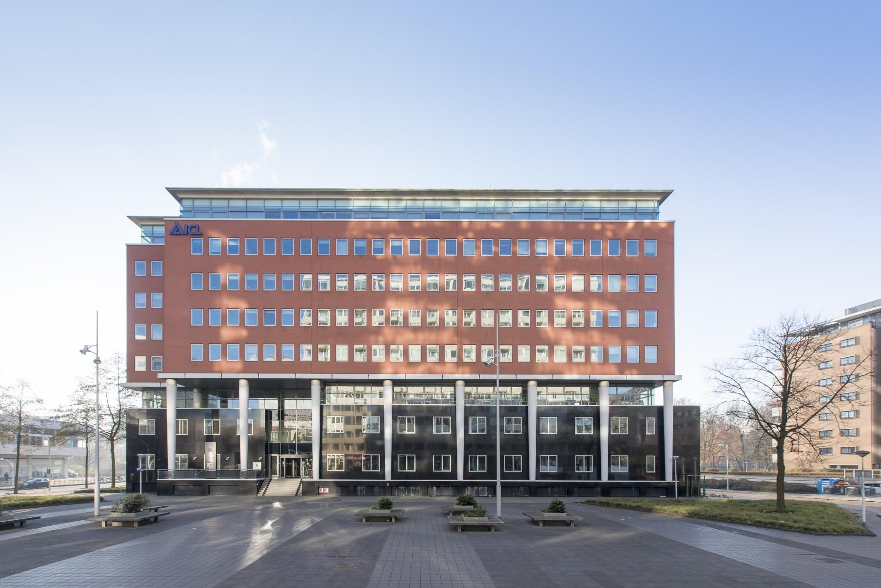 Nieuwbouw kantoor (10.000m2 BVO) aan Koningin Wilhelminaplein te Amsterdam. Werkzaamheden: Projectmanagement Opdrachtgever: Maarssen Groep BV / Aedes Vastgoed BV.