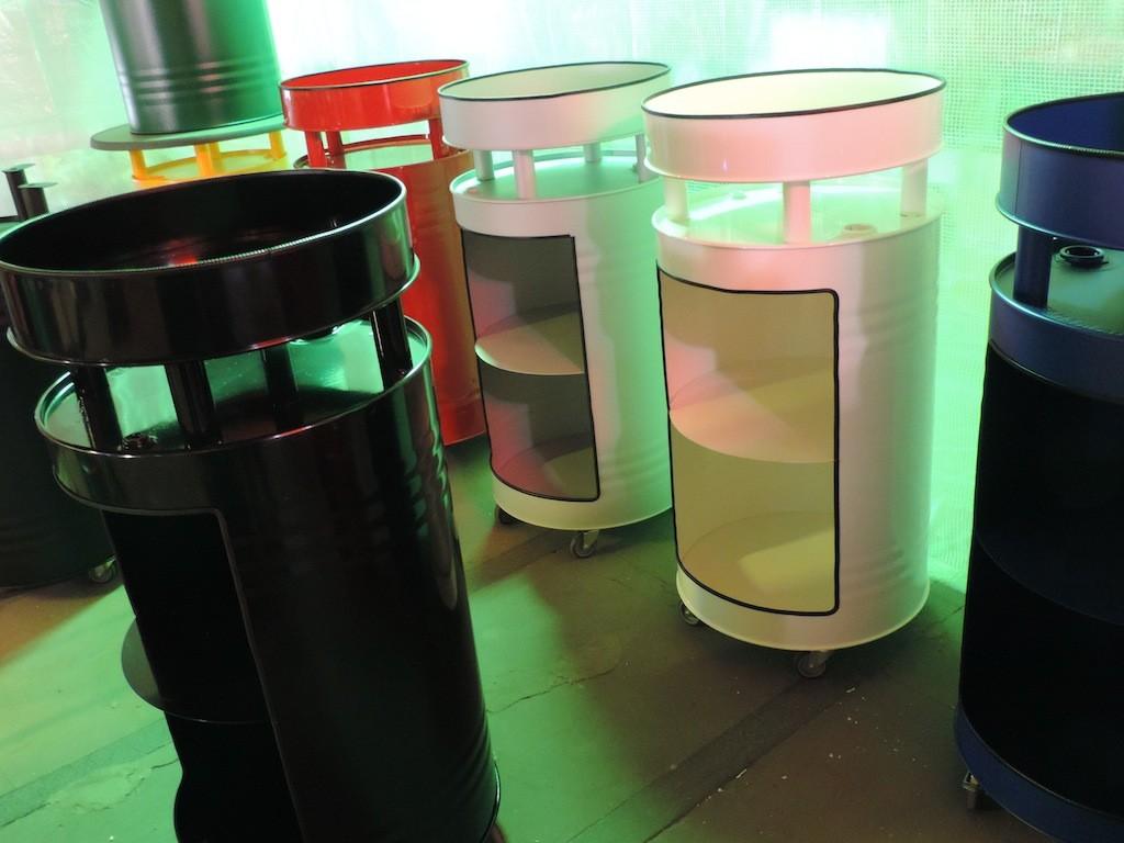 regale stehtische aus lf ssern von barrel store. Black Bedroom Furniture Sets. Home Design Ideas