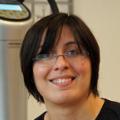 Christina Friess Power Plate Beurteilung Bewertung Kundenmeinungen junge Frau mit stressigem Job