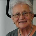 Christina Friess Power Plate Beurteilung Bewertung Kundenmeinungen BestAge ältere Frau möchte mit Power Plate Training fit und gesund bleiben