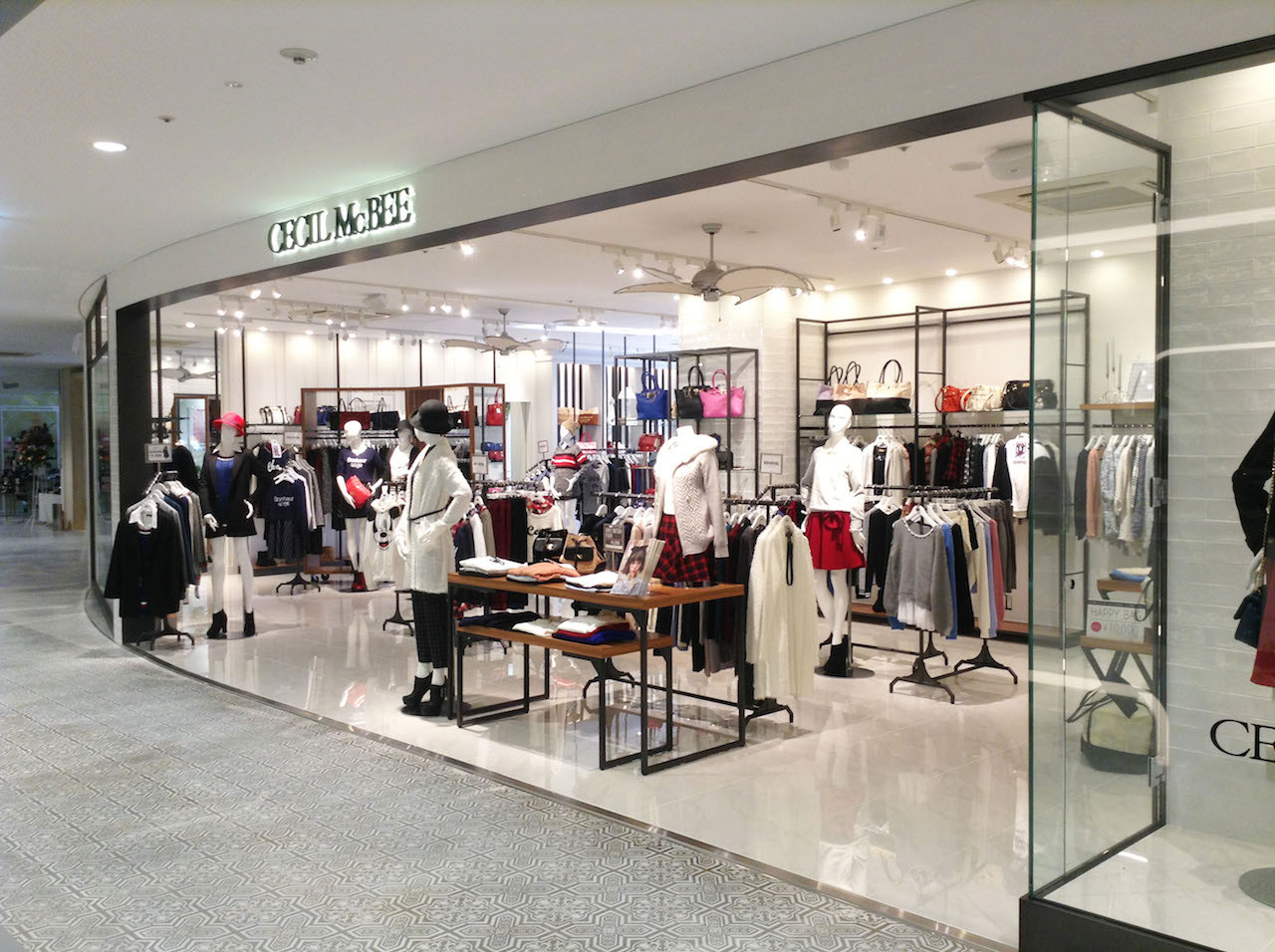 CECILMcBEE 渋谷109鹿児島店様【新装/施工】