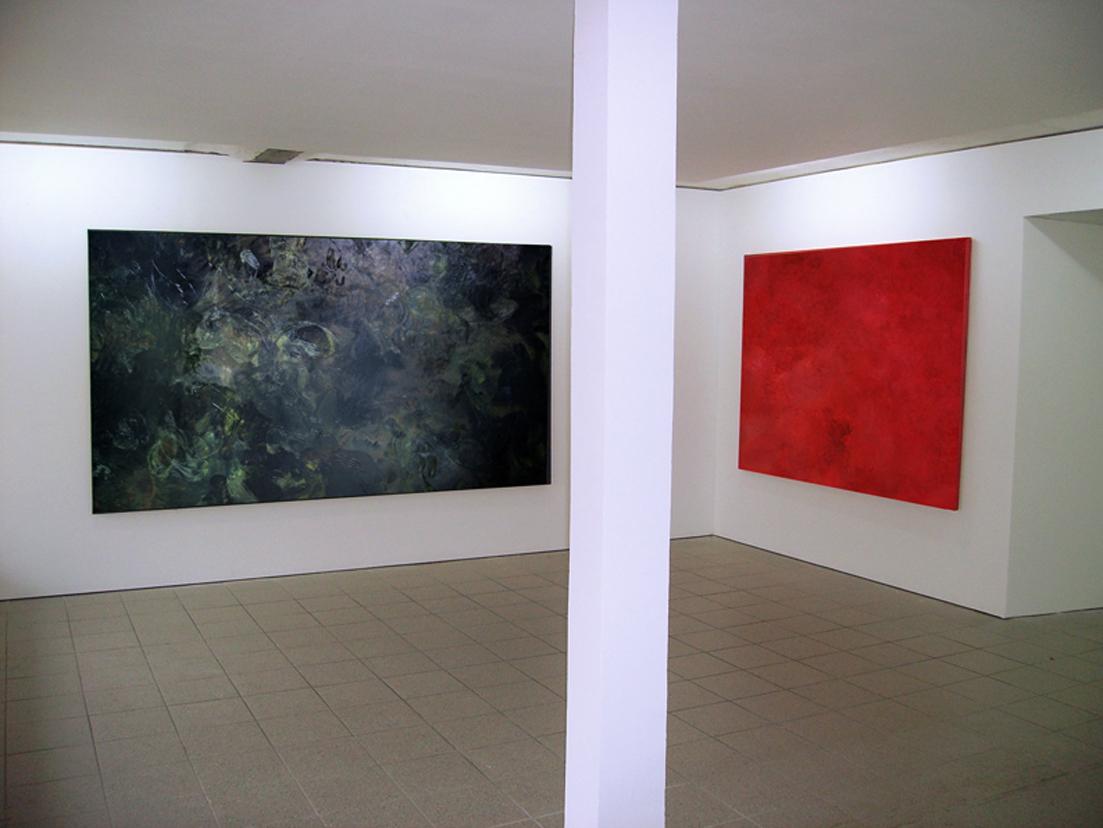 """Moornacht"", 2010, Galerie Hans Tepe (links)""Moornacht"", 2009, 300 m x 160 cm, Öl auf Leinwand Privatbesitz (Vechta), (rechts) ""Feuerstiefe"", 2009, Öl auf Leinwand, 200 x 150 cm, Privatbesitz (Berlin)"