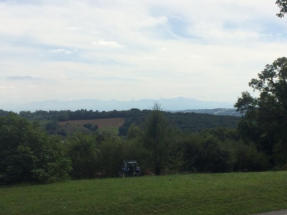 Pyreneeën in de verte