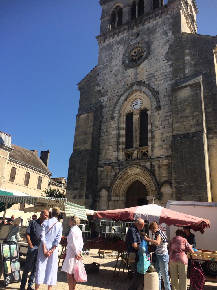 Zaterdagmarkt in Thiviers