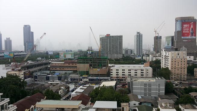 Фото дня 08.05.2015 Четкий фронт дождя. Бангкок, Королевство Таиланд.