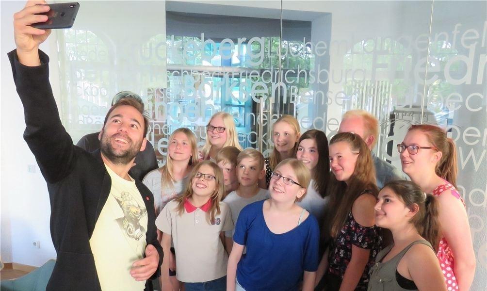 Johanes Schraps besucht Kinder und Jugendrat
