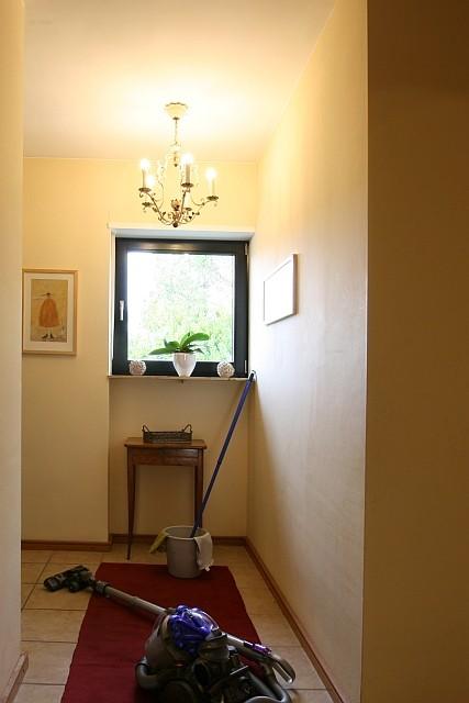 Immobilienfoto mit Putzutensilien