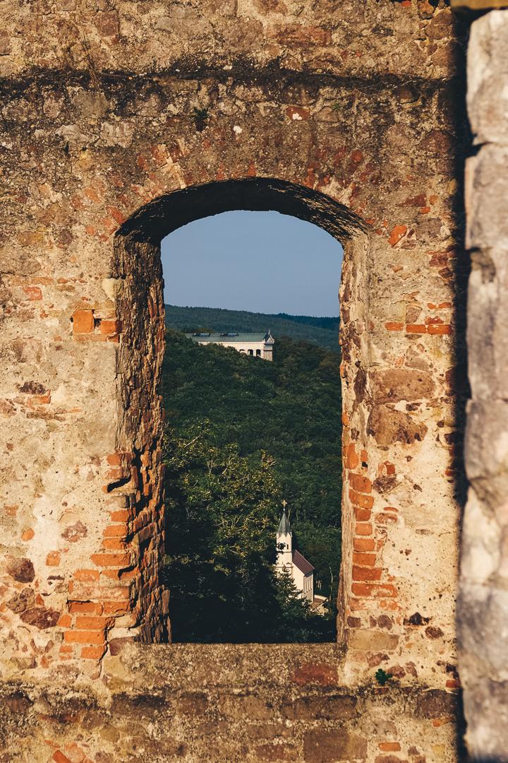 Blick auf die Walhalla, Burgruine Donaustauf