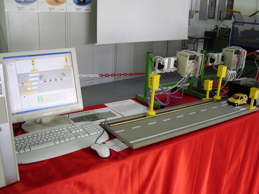 Impianto semaforico con PLC - classe 4