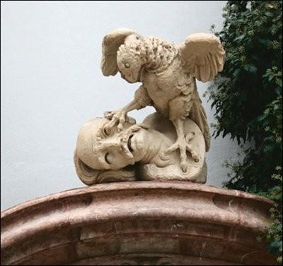Добро пожаловать в Еврoпу или С оселедцем вход воспрещён. Ещё одна деталь декора одного из шварценбергских замков.