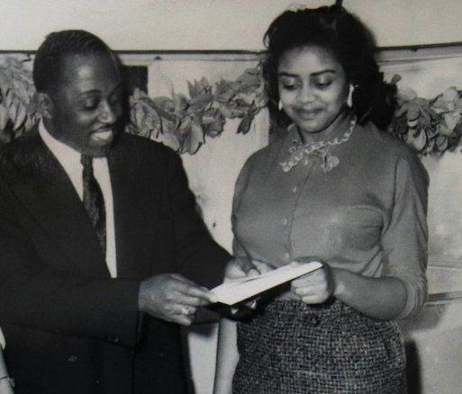 Nella foto Minnie Forbes e suo zio Ted Rasberry