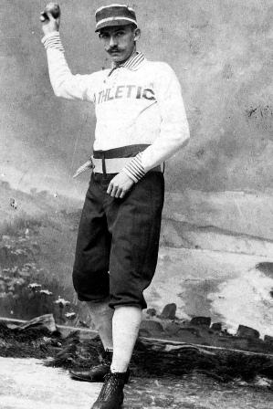Nella foto Gus Weyhing detiene il record di tutti i tempi di battitori colpiti (277)