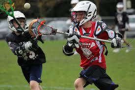 Nella foto una partita di Lacrosse giovanile