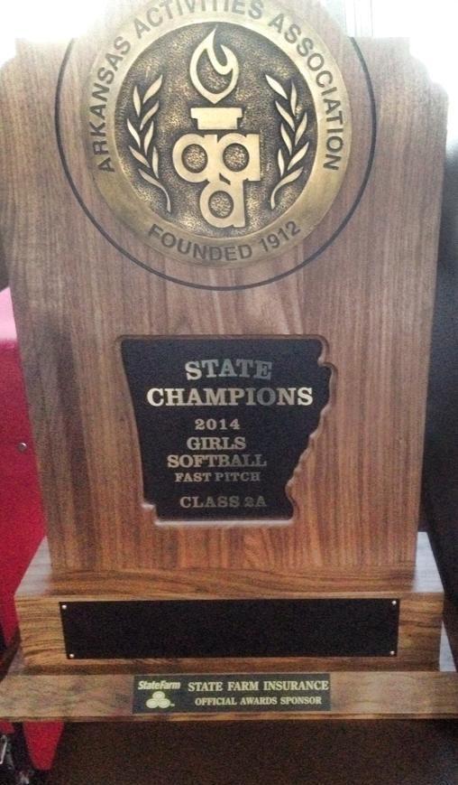 Il Trofeo vinto dalle ragazze della Foreman High School