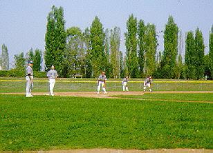 Nella foto il campo di Casalecchio durante una partita di Baseball per ciechi organizzata dall'AIBX