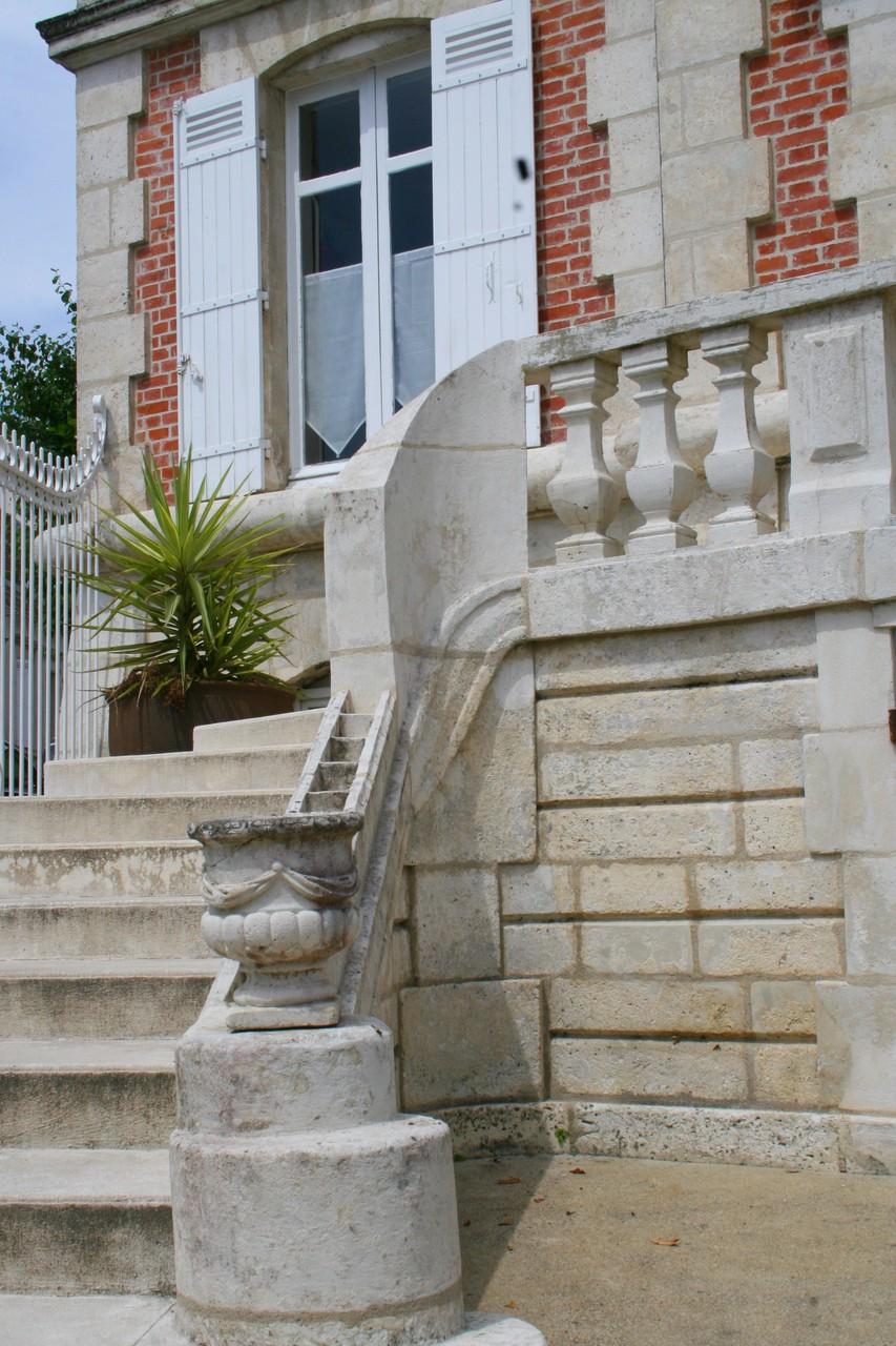 l'escalier de pierres n'attend que vous !