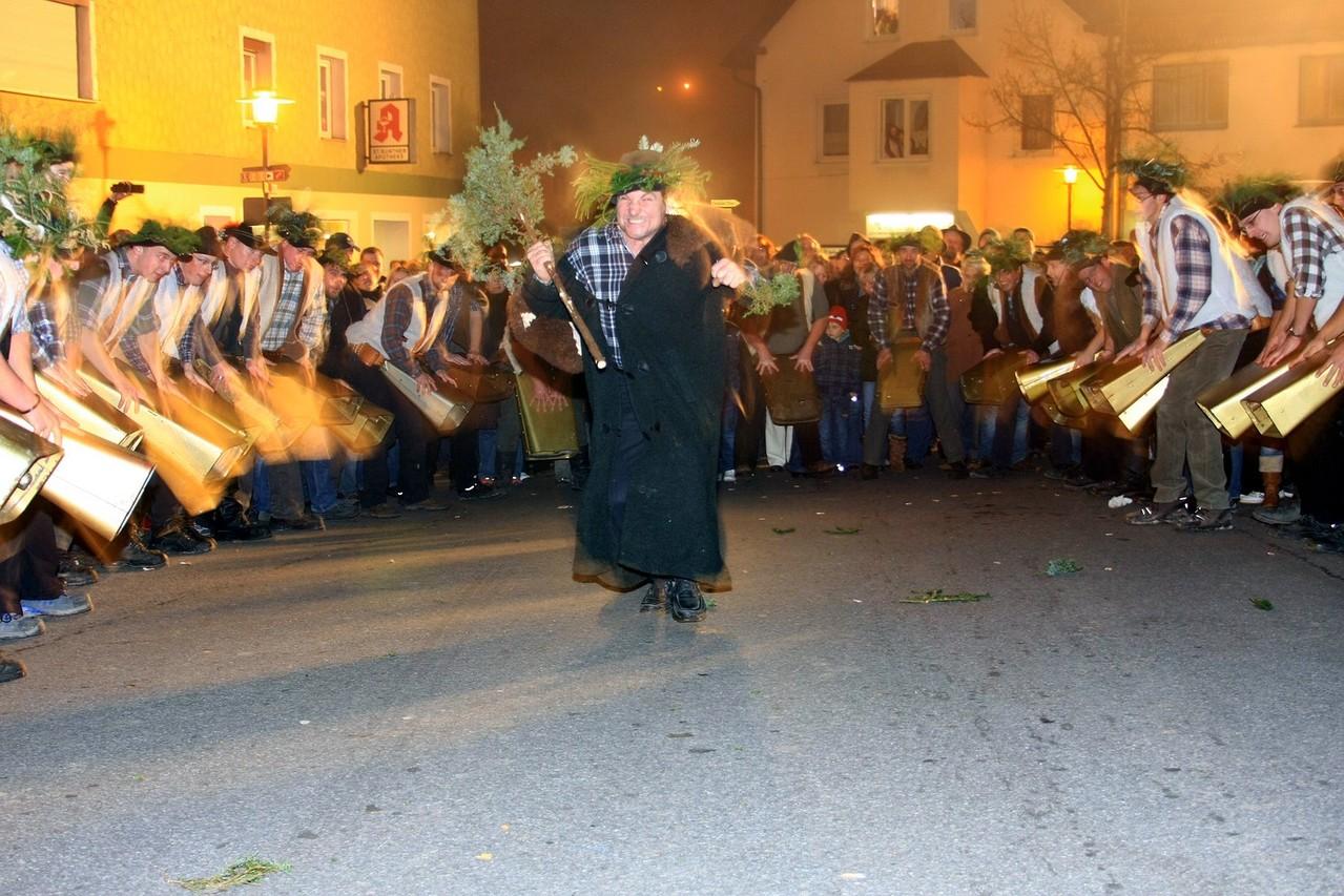 Wolfauslassen am 10.11. in Richnach (Klousta)